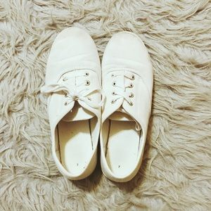 White Lace-up Low Top Sneakers